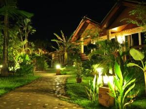 02-beautiful-garden-resort-chiang-mai-thailand_lbb