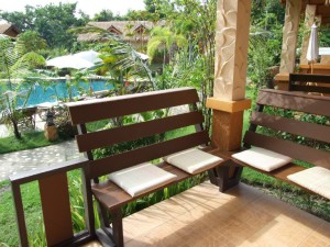 08-private-balcony-in-nice-bungalow-golden-elepha_lbb