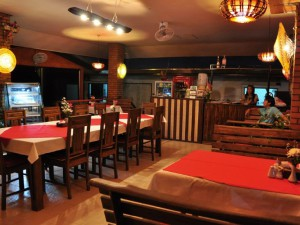 10-swiss---thai-restaurant-at-golden-elephant-res_lbb