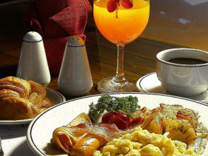 12-breakfast-in-swiss---thai-restaurant-at-golden_lbb