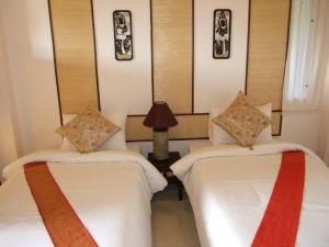 16-nice-and-clean-room-in-nice-resort-chiangmai-f_lbb