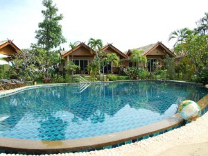 17-private-pool-private-bungalow-in-golden-elepha_lbb