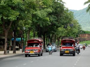 Chiang Mai-Rot Daeng-downtown