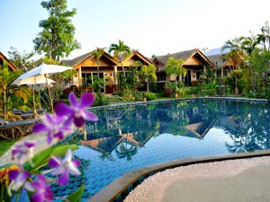 resort-with-pool-and-private-for-family-enjoy-_lbb